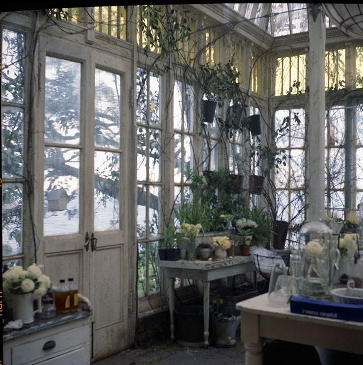 Garden room inside the Practical Magic set.