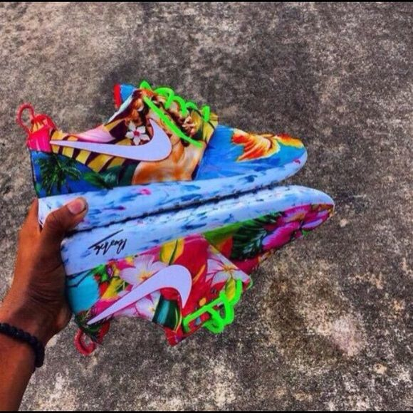 ISO!!! NOT FOR SALE looking for these in a size 7                 nike roshe Nike Shoes Sneakers