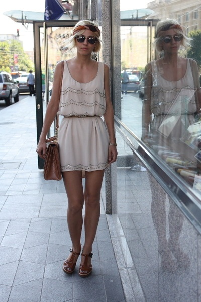Pretty boho summer style.   H Brand Dress -- Mango Belt -- Marc Jacobs Wedges