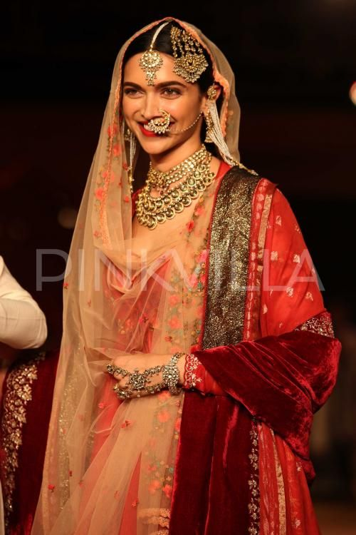 Ethereal Deepika walks the ramp for Anju Modi! | PINKVILLA