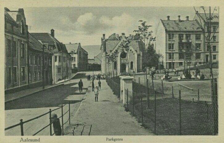 Møre og Romsdal fylke Aalesund Parkgaten tidlig 1900-tall