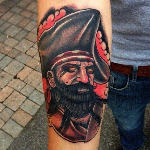 Unterarm Piraten Tattoo
