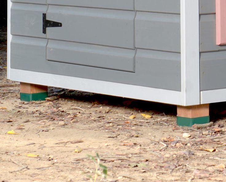 Pies de 7 cm separan la caseta de la humedad del suelo