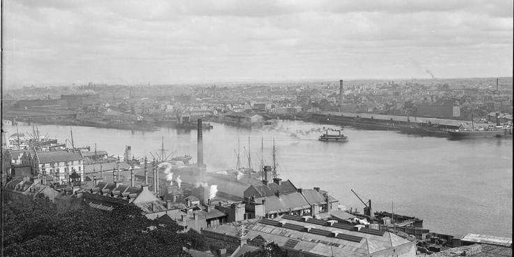 Darling Harbour in Sydney in 1900. 🌹