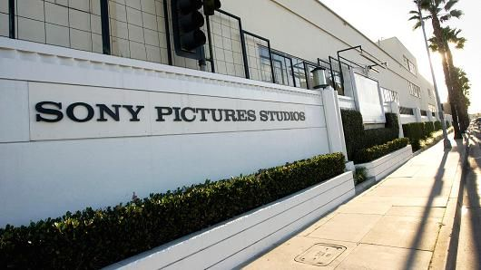 sony pictures culver city   Signage outside the Sony Pictures Entertainment Studios building in ...