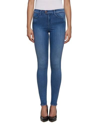 #REPLAY #Damen #Jeans #�Touch #� #blau Mit TOUCH krempelt Replay die Welt der Jeans vollständig um: Details, die dem Denim eine einzigartige und auszeichnende Note verleihen, erfüllen die weiblichen Wünsche, sexy zu sein und sich gleichzeitig wohlzufühlen. TOUCH verleiht ein Gefühl ultimativer Weichheit. Mit seinen hohen Stretch-Eigenschaften erhebt TOUCH das Wohlfühlkonzept auf ein höheres Niveau: Touch sorgt für einen Slim-Effekt, ganz ohne Knitterfalten an den Knien und am Po während…