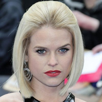 Alice Eve wiki, affair, married, Lesbian with age, height