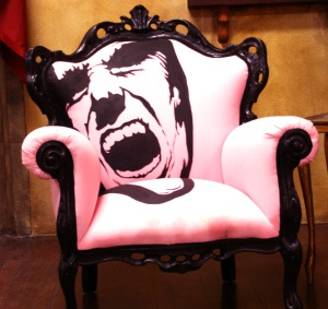 Pink pop art chair art pop pinterest sillas muebles - Muebles pop art ...