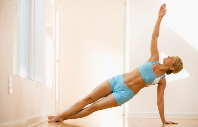 Die besten Übungen für die Taille - Tschüss Shapewear und Taillenformer! Die können Sie ab jetzt im Schrank lassen. Mit unseren speziellen Fitnessübungen bekommen Sie im Handumdrehen eine schmale...