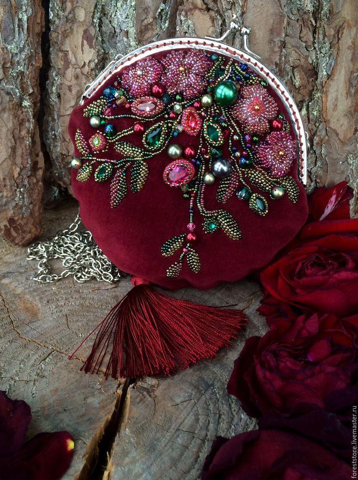 Velvet handbag / Красные ягоды - бордовый, сумочка, кошелек, кисточка, шелк, бархат, swarovski, хрусталь, изумруд