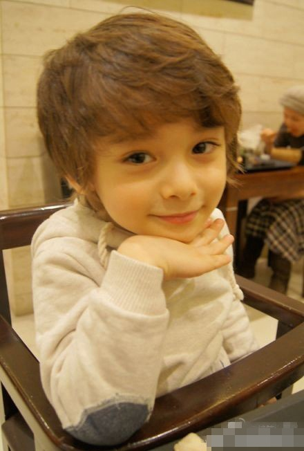 nncv: Mixed Kids, Ulzzang Kids, Kids Fashion, Boys Hairstyles Cut, Future Kids, Adorable Kids, Little Boys, Crazy Adorable, Kids Ulzzang