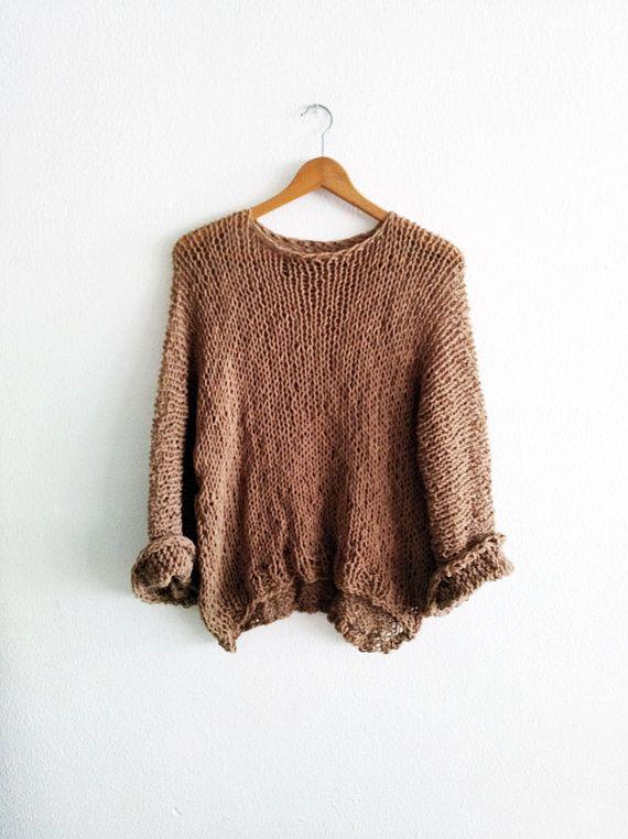 Mira este artículo en mi tienda de Etsy: https://www.etsy.com/es/listing/607160805/beige-sweater-loose-knit-sweater-see