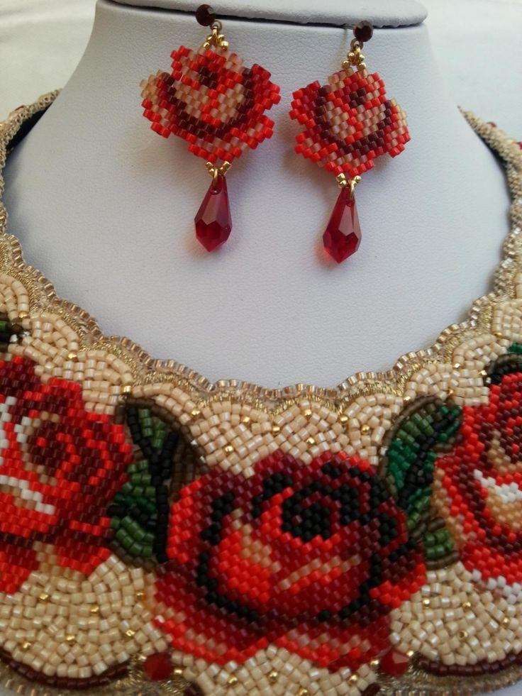 Розы к празднику | biser.info - всё о бисере и бисерном творчестве