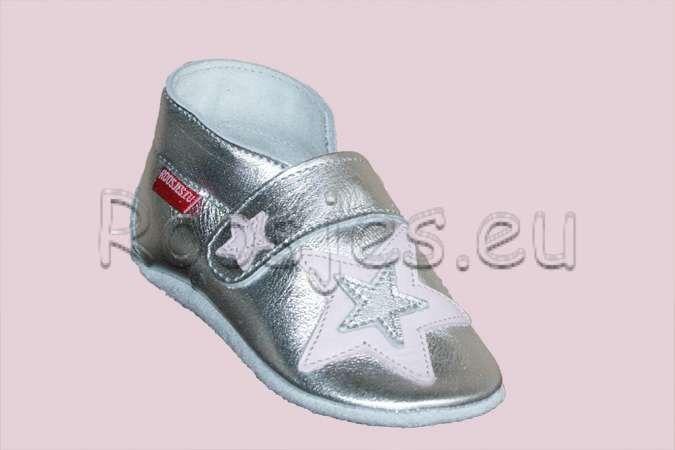 Roosjes babyslofjes M0248 Zilver met l.roze/zilveren ster opzij en l.roze klein sterretje.