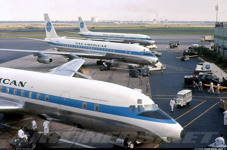 N809PA (cn 45262/70) In foreground N809PA, Jet Clipper Great Republic. Middle N802PA, Jet Clipper Cathay, then N806PA, Jet Clipper Northern Light. IDL - August 1963.