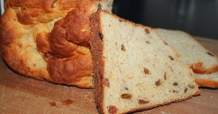 Heerlijk luchtig brood met een volle smaak. Dit komt door in plaats van water kwark toe te voegen. Hieronder het volledige recept: ...