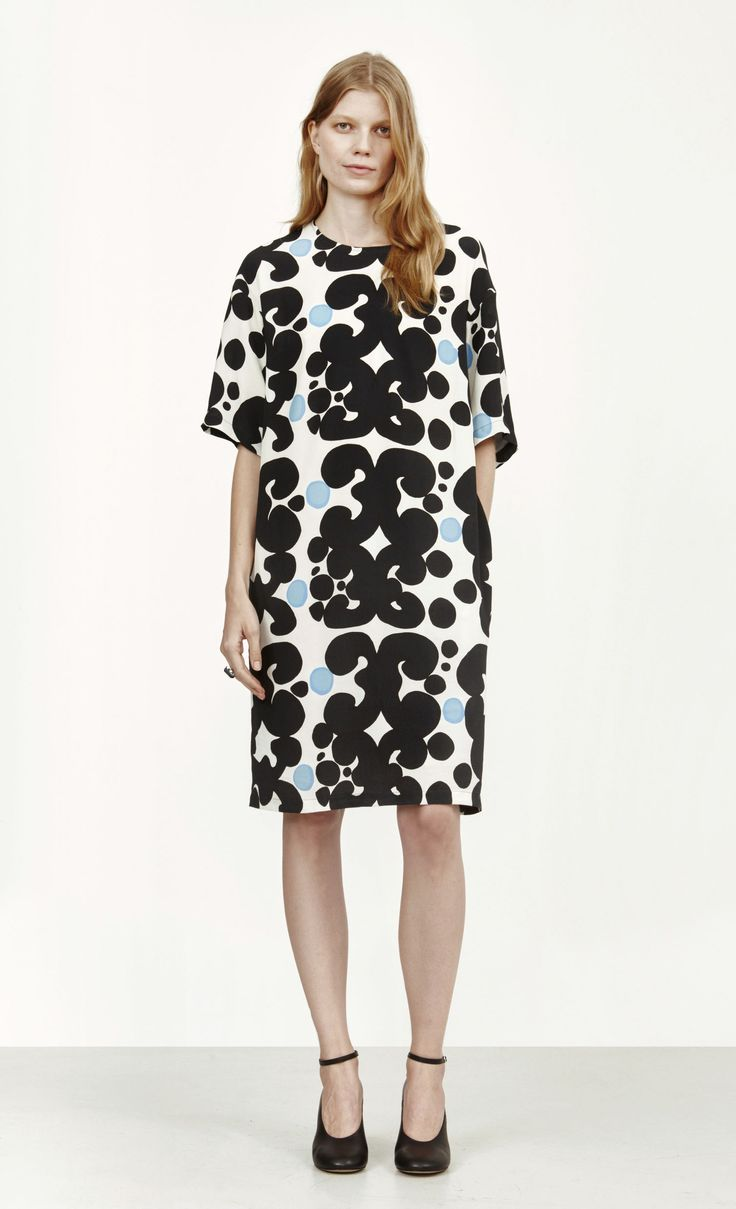 Ester Pieni Keidas dress by Marimekko - a loose fitting dress that can be matchedIf with a pair of trousers. Note: this viscose crepe dress has a hidden back zip and side pockets, and must be dry cleaned.