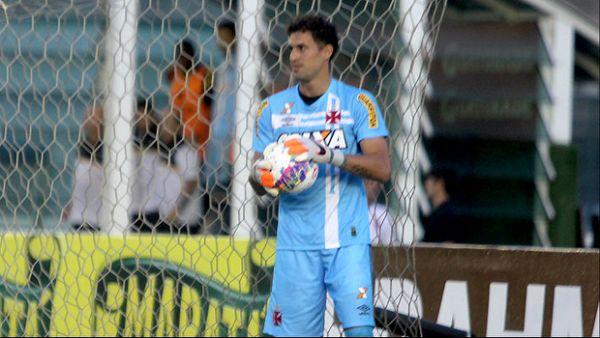 Vasco rejeitou proposta de R$ 4,7 milhões por Martín Silva, diz site - http://anoticiadodia.com/vasco-rejeitou-proposta-de-r-47-milhoes-por-martin-silva-diz-site/