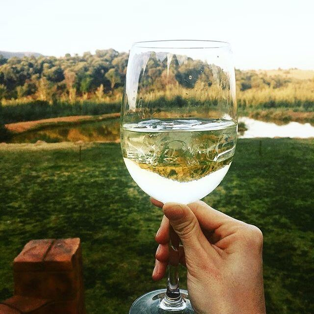 I would say it's about time for a glass of wine...don't you agree? Thanks for sharing this great pic @stylemyappetite