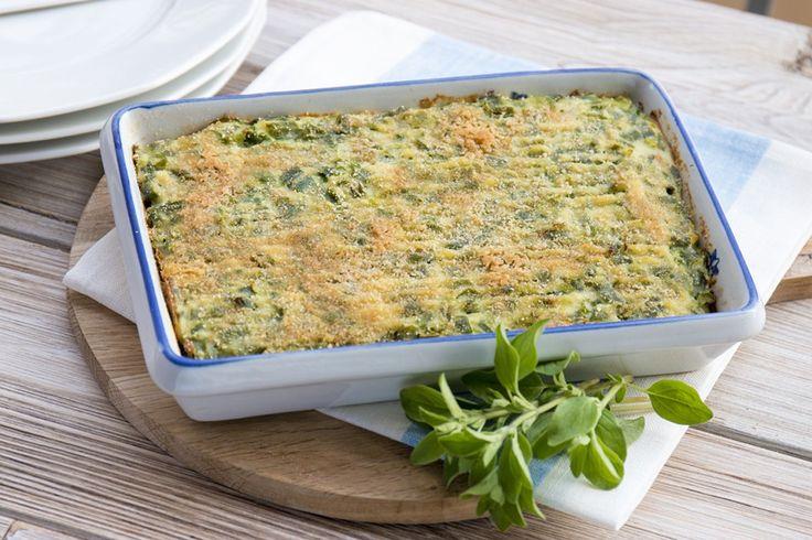 Una preparazione tradizionale della cucina ligure a base di pochi e semplici ingredienti: verdure e legumi si accompagnano a uova, parmigiano, maggiorana e noce moscata.