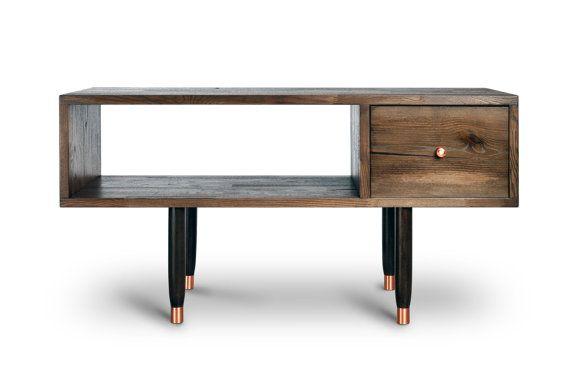 TV Table Hengill. Entertainment unit. Reclaimed wood di Railis