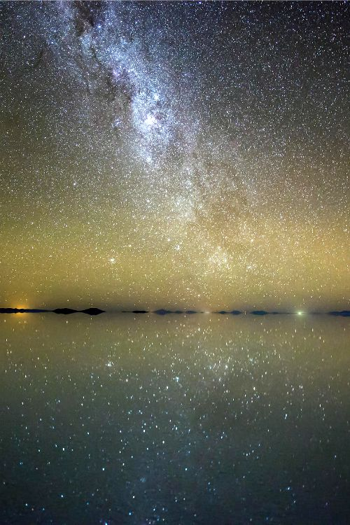 expressions-of-nature:  Mirror / Salar de Uyuni, Bolivia by: Randy Halverson