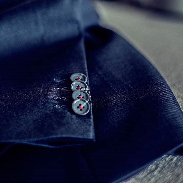 PIETER PETROS || CLASSIC I || Precision is the key to success. Be it designing suits, planning a surprise or making a project proposal, being precise will always help you win. Close-up of the cuff button of #Classic1.