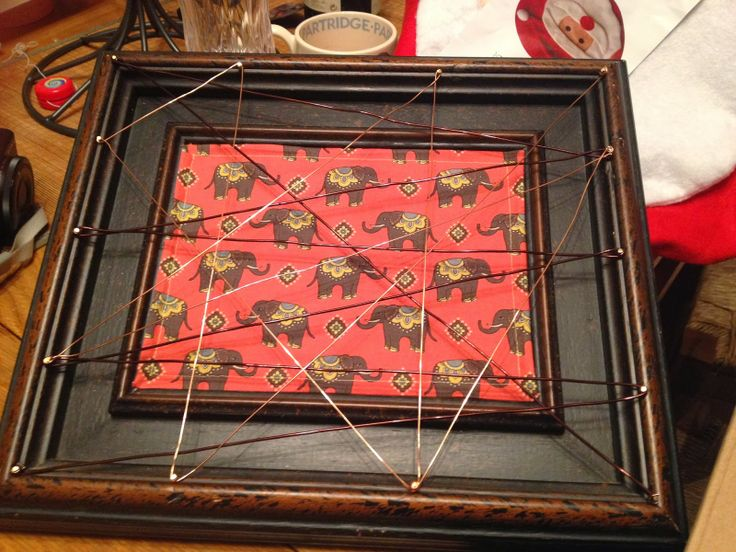 Patchwork Pea - crafty things by Clare. A picture frame earring holder.