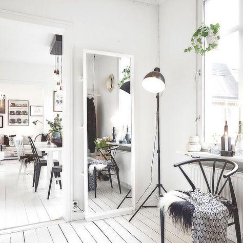 | Inspiração. | . . . . . . . #designinteriores #estiloescandinavo #decoração #decoraçãointeriores #arquitetos #arquiteturainteriores #arquitetura #minimalismo #minimalist #minimalistdesign #design #designerdeinteriores #scandinavianstyle #whitedecoration #scandistyle #nordicstyleinspiration #nordicstyle #minimalista #diseñodeinteriores #nordicstyling #decorate #decorador #estilonordico #lessismore #menosemais #cleanliving #decoraçãoclean #saladeestar #casavogue #casaclaudia