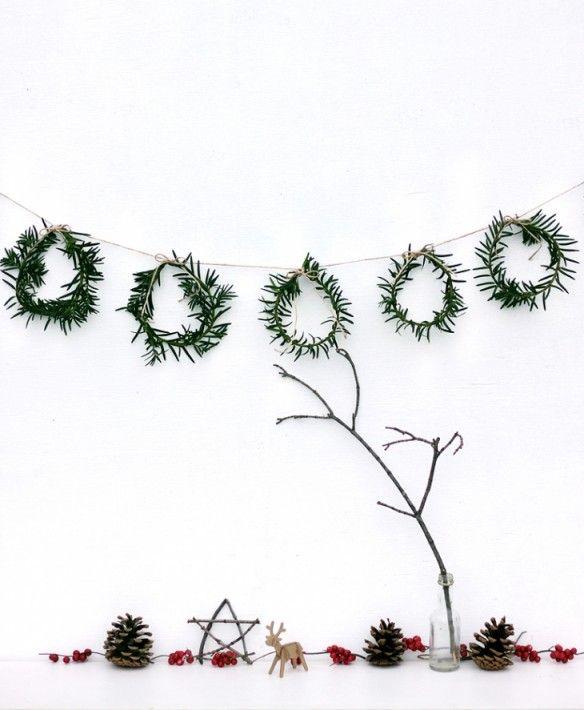 Décoration de noël naturelle à fabriquer    Mini couronnes de Noël par themerrythought