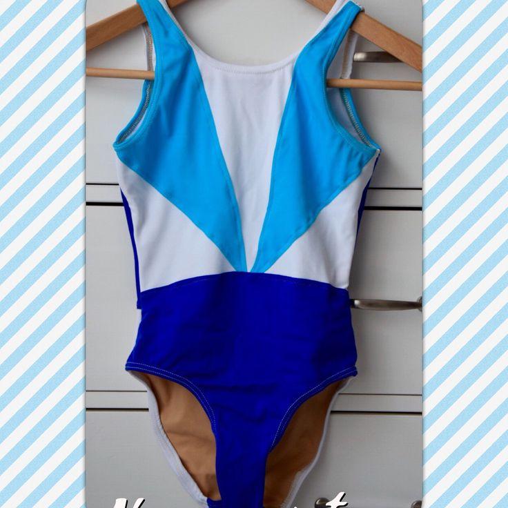 Maillot de bain de natation synchronisée  Confection sur mesure de 8 maillots pour une équipe  www.dadounan.com  #maillotdebain #natationsynchronisee #couture #martigues #istres