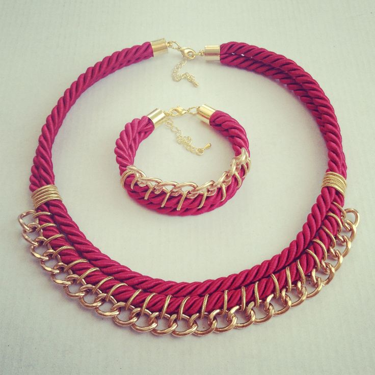 Diseño y creación artesanal de accesorios de moda. #necklace #bracelet #handmade…