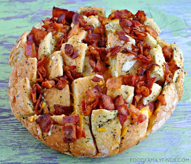Recipe | Bloomin' Bacon Cheddar Italian Pull-Apart Bread Appetizer