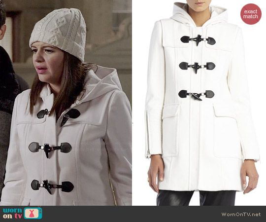 Annie's white hooded toggle coat on Marry Me.  Outfit Details: http://wornontv.net/45200/ #MarryMe