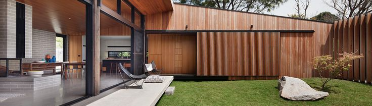 Hover House Drops in on a Disused Backyard Tennis Court in Mt Martha