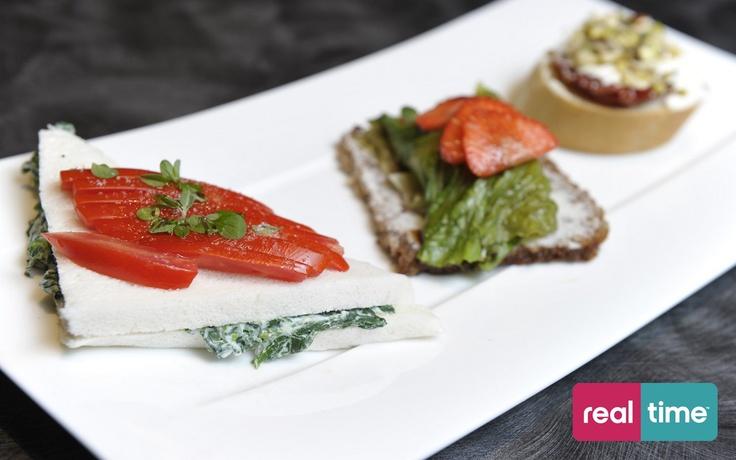 Real Time è: Cucina Con Ale con Alessandro Borghese. Le tartine di Barbi. Guarda la ricetta su www.realtimetv.it/web/cucina-con-ale