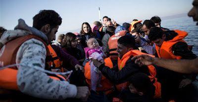Κίνδυνος βίας στα κέντρα προσφύγων στα νησιά μετά το άλμα στις αφίξεις