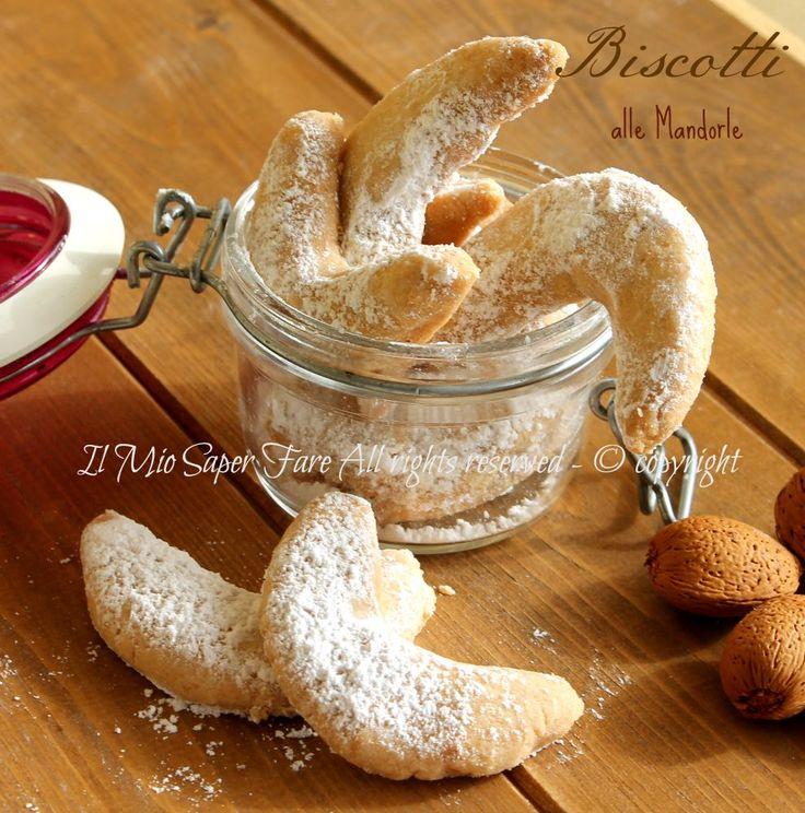 Biscotti mandorle e limone piccola pasticceria fatta in casa con pochi ingredienti. Impasto molto friabile che garantisce biscottini soffici e delicati