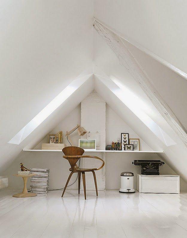 A striking black and white Danish home. Nuevo Estilo.