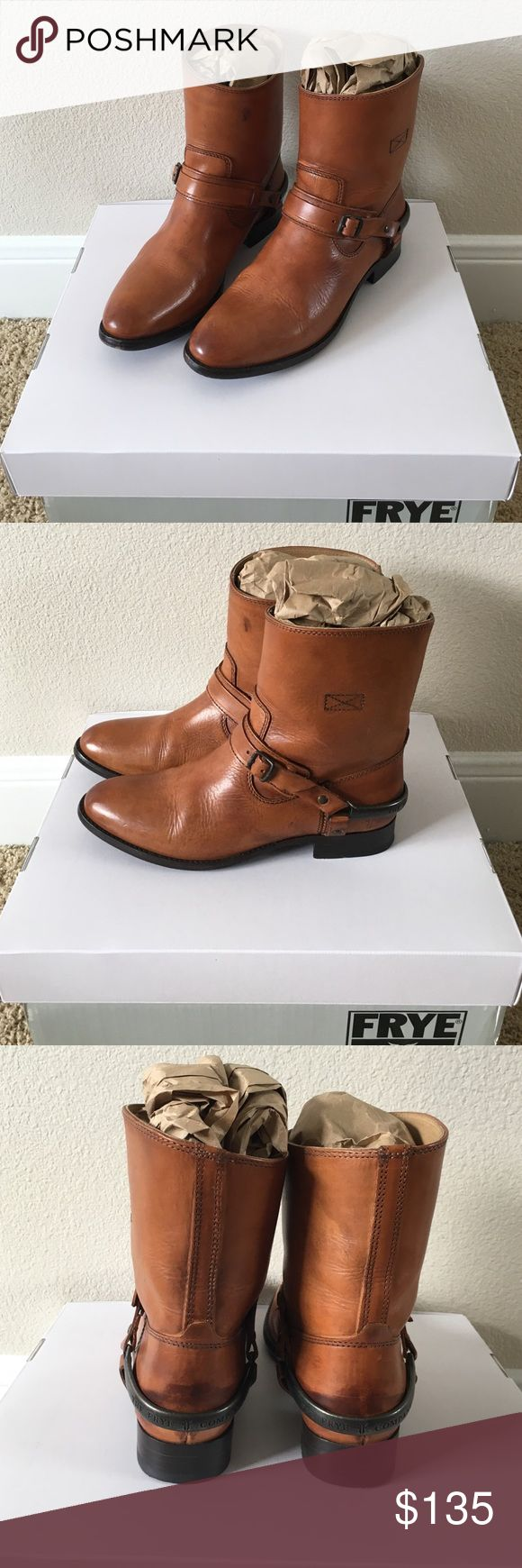 Frye Lindsay Spur short boots size7.5 Fyre Lindsay Spur Short boots.Size 7.5M.I usually wear 7.5 in sneakers and 8 in most heels, for boots sometimes I pick 8 or 8.5 so I could wear thick socks.                                (⁎⁍̴̛ᴗ⁍̴̛⁎)These boots are so beautiful, I kept them even they were too small for me. I wore 2 or 3 times and got a lot compliments everytime. I really like them but they are not my size.Hope they find a new home Frye Shoes Ankle Boots & Booties