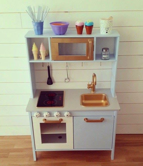 mommo design: IKEA PLAY KITCHEN MAKEOVERS  Look at the knobs! ~SP