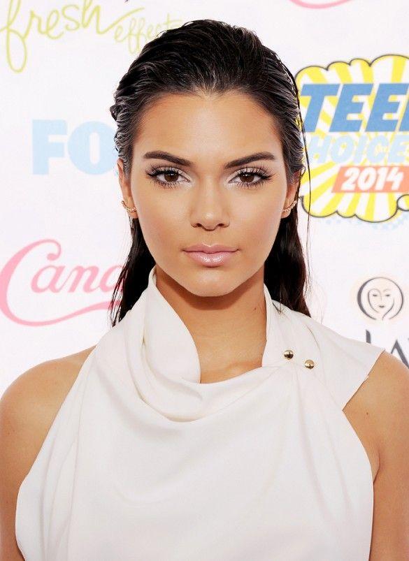 Kendall Jenner wet hair