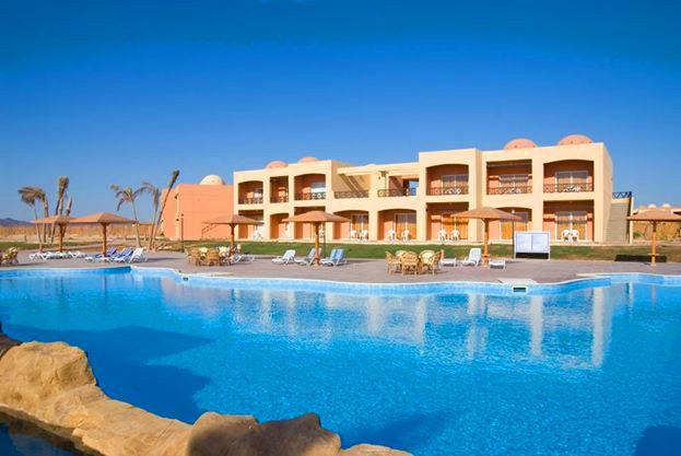 Hotel Wadi Lahmy Azur Resort  https://www.travelzone.pl/hotele/egipt/marsa-el-alam/wadi-lahmy-azur-resort