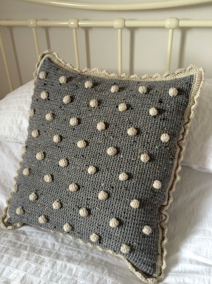 Crochet Club Make a bobble cushion cover with a free