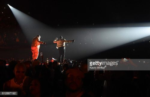 """INGLEWOOD, CA - OCTOBER 04: Mase and Sean """"Diddy"""" Combs perform... #badhonningen: INGLEWOOD, CA - OCTOBER 04: Mase and Sean… #badhonningen"""