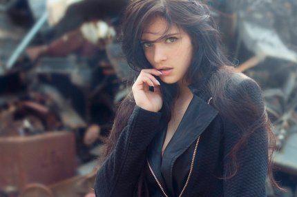 Настоящая женщина - редкое совершенство, а настоящий мужчина - совершенная редкость.