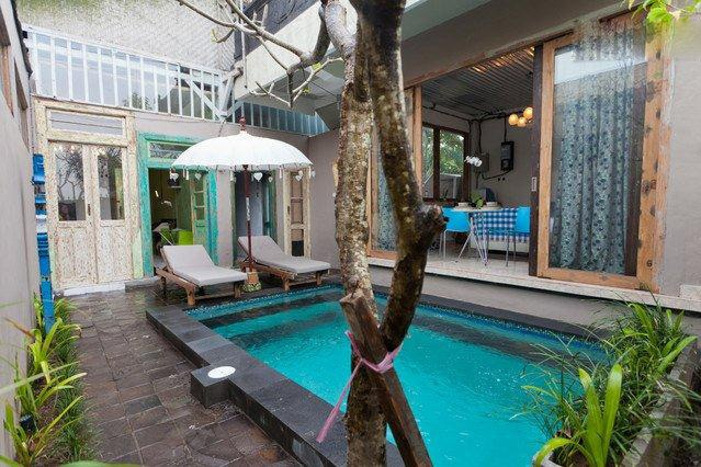 sharing private swimming pool
