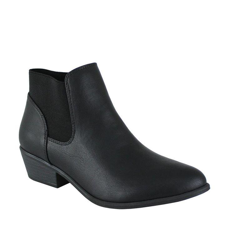Famous Footwear $50