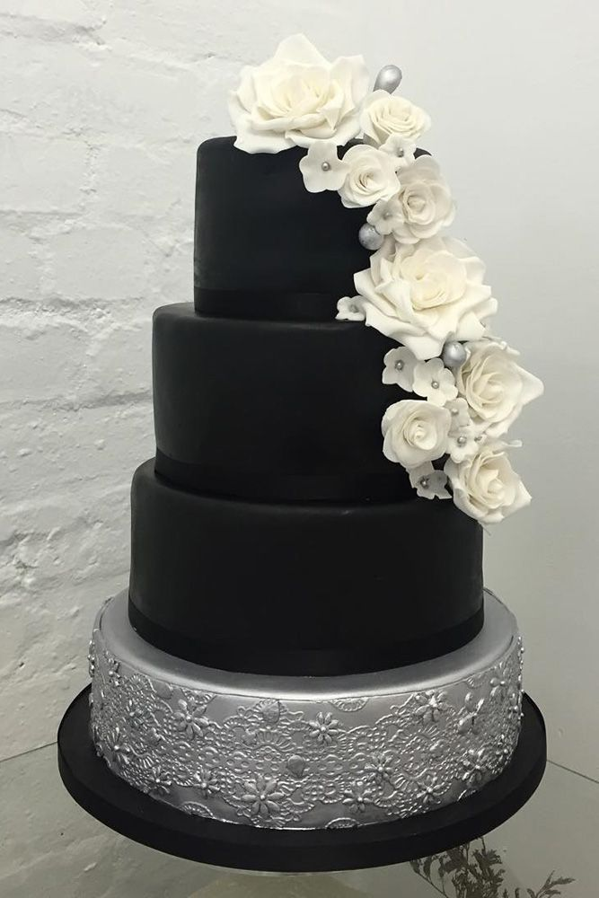 18 Inspiring Ideas For Black And White Wedding Cakes ❤️ Black and white wedding cakes are never go out of style. It is always exquisitely and yet timeless. See more: http://www.weddingforward.com/black-and-white-wedding-cakes/ #wedding #cakes