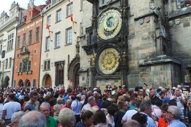 Prague astronomical clock by tatsukoku